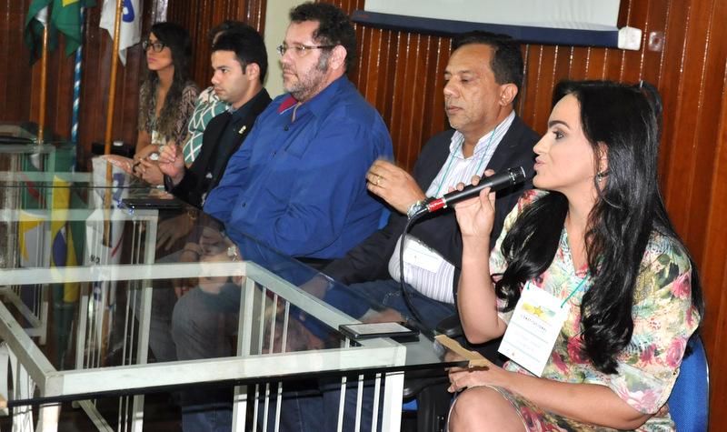 Professora Ana Paula Joaquim, coordenadora do evento pela UERR