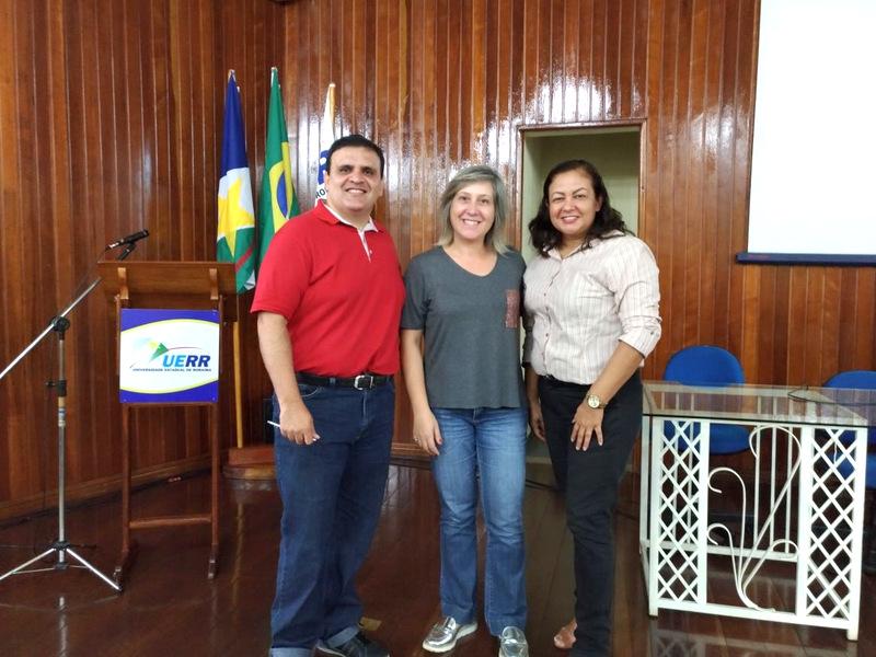 Palestrante Fábio Roberto Vieira, a coordenadora Rita de Cássia Ferreira e a palestrante Andréa dos Santos Cardoso